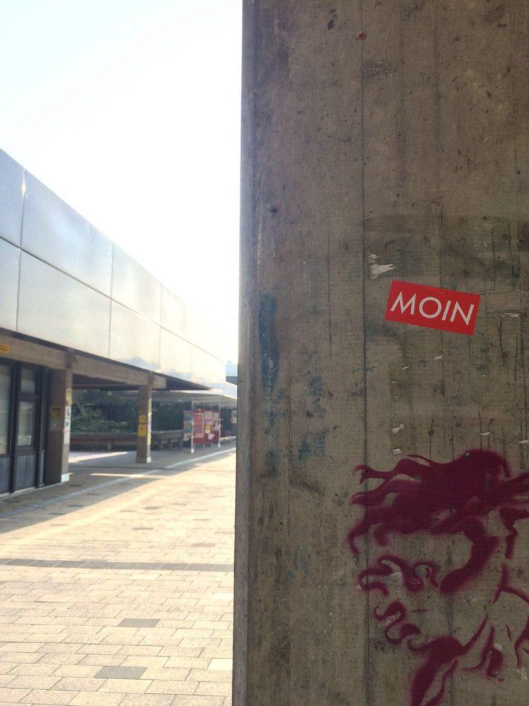 MOIN Sticker an der Universität Bremen