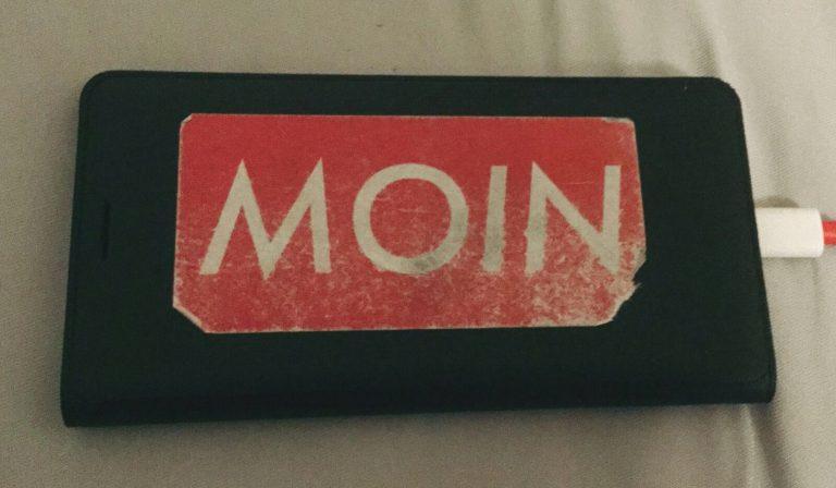 MOIN Sticker auf Handy