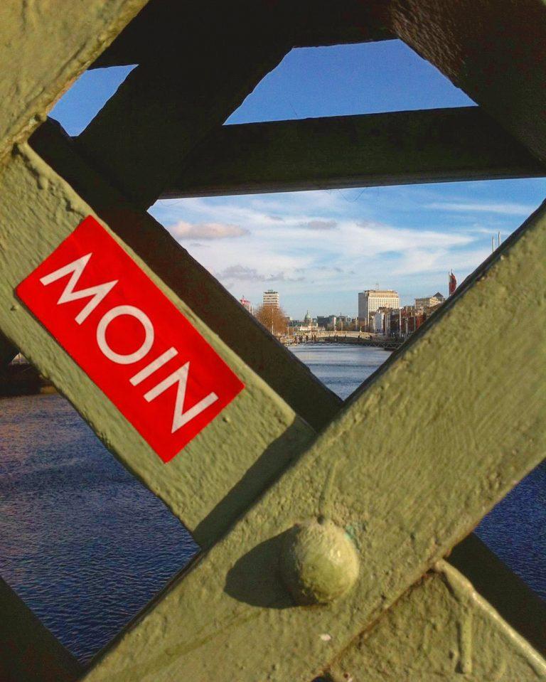 MOIN Sticker in Dublin, Irland