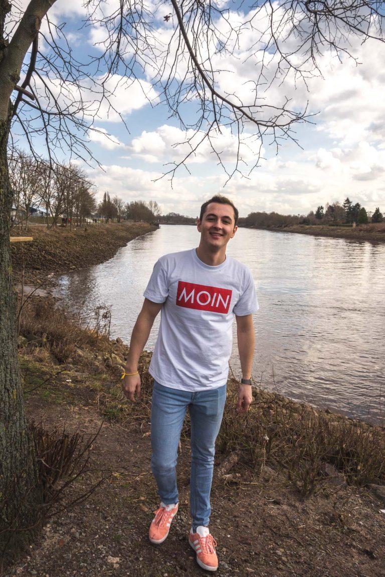 MOIN Shirt am Weserstadion in Bremen